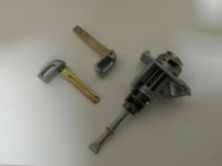 Личинка водительской двери KIA Sorento (2009-2020) с ключами